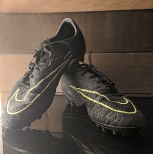 Soccer cleats (I will bargain)